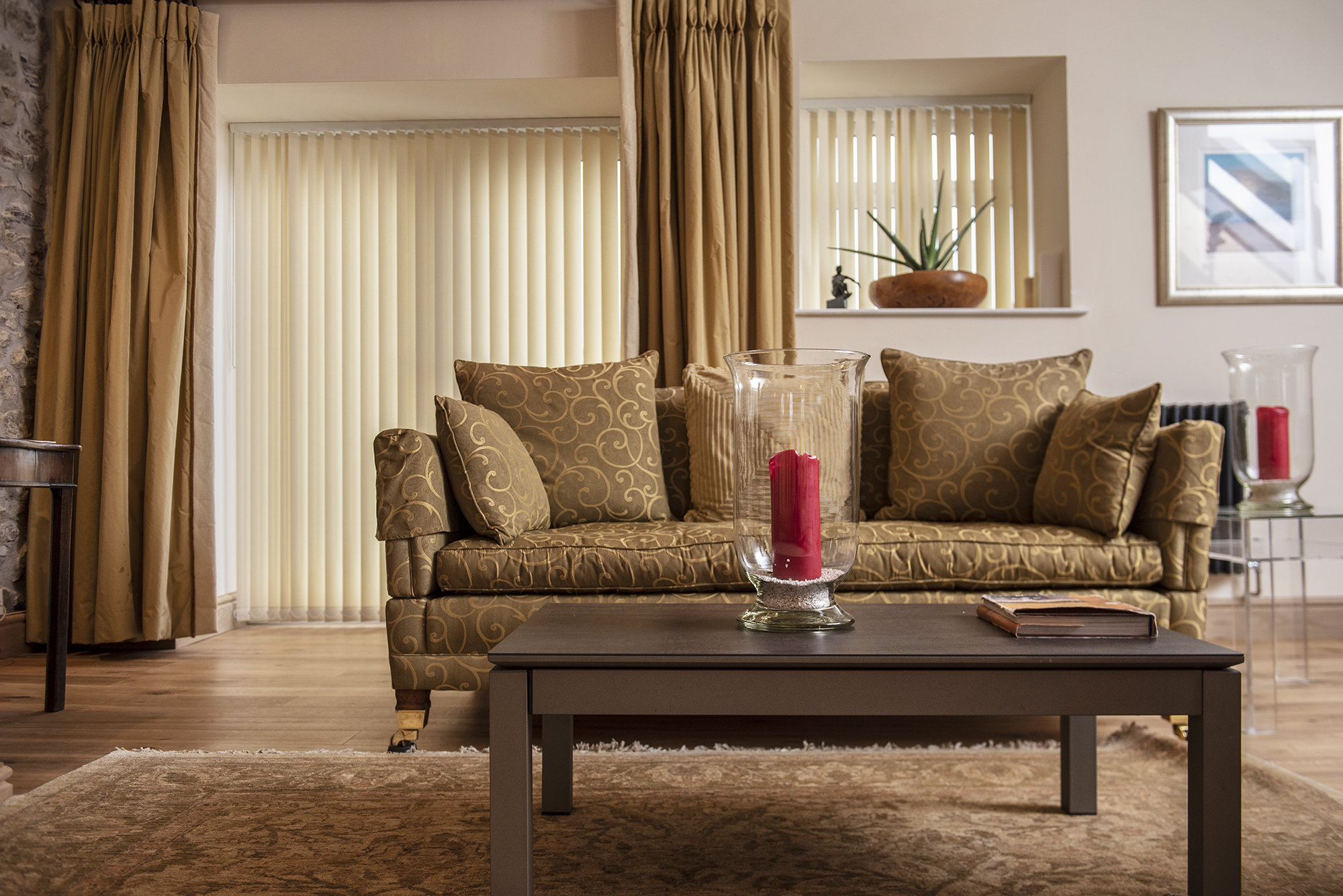 LivingRoom with Vertical Blinds and Curtains Decorquip